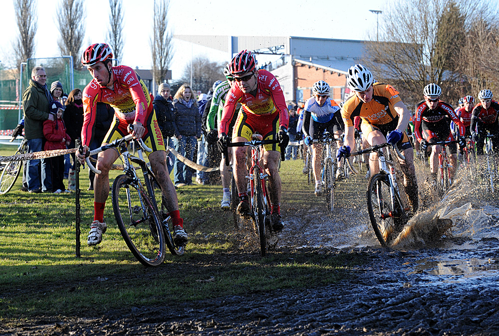 Elite men start, Cyclo-Cross National Championships 2011