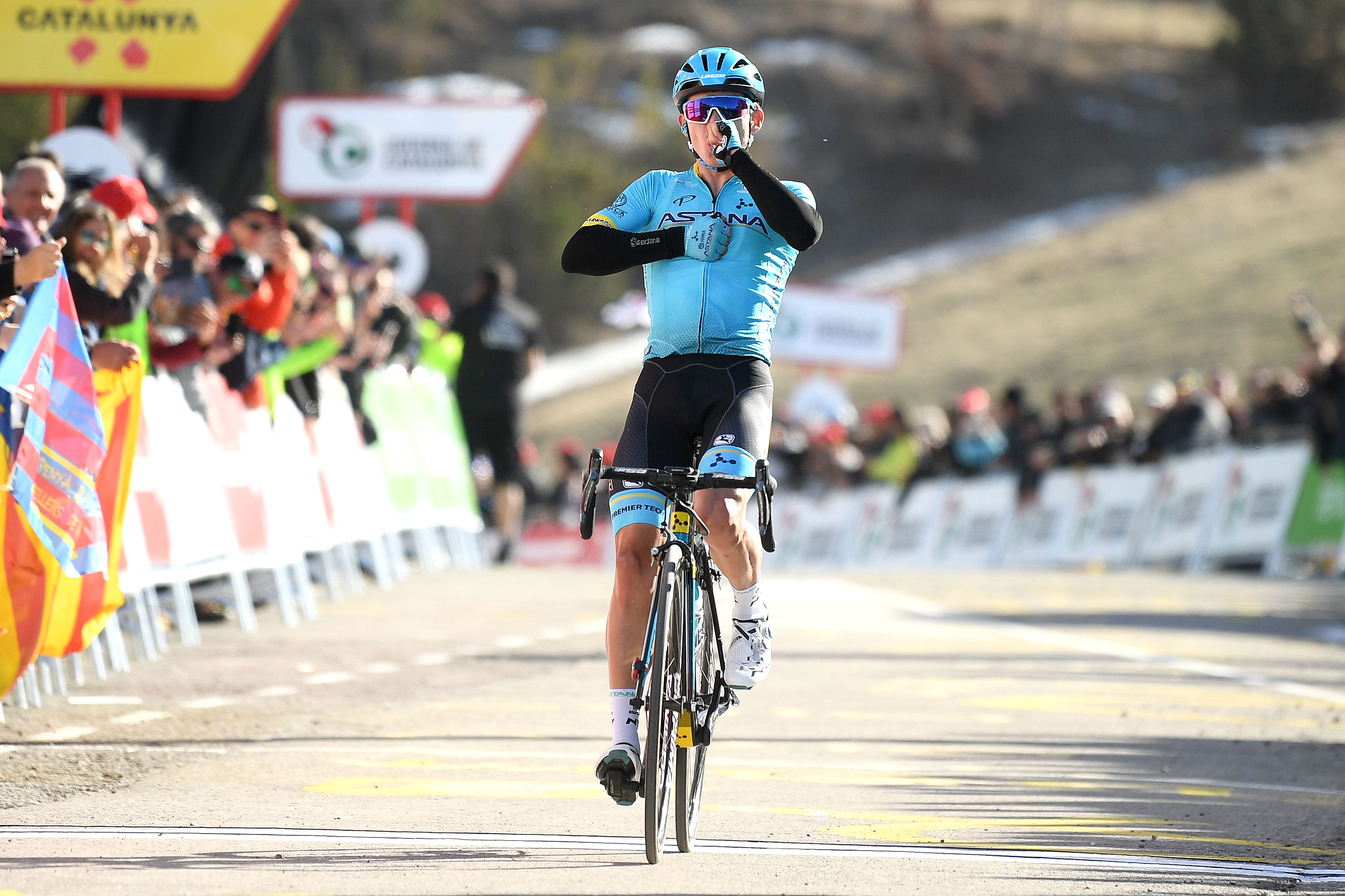 Miguel Ángel López takes overall lead with victory on stage