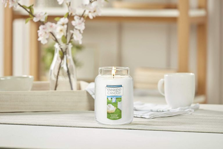 Best candle: Yankee candle clean cotton