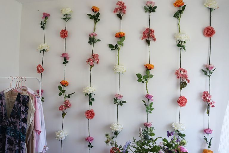 @charlottejacklin flower wall DIY