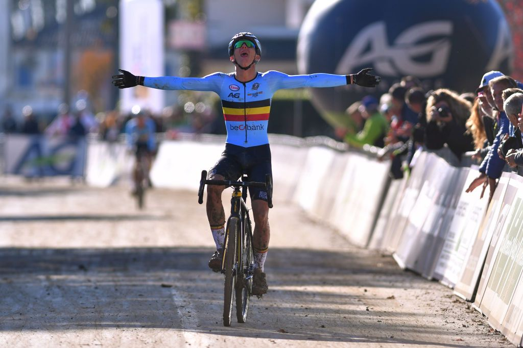 Thibau Nys wins junior men's race at Superprestige Zonhoven