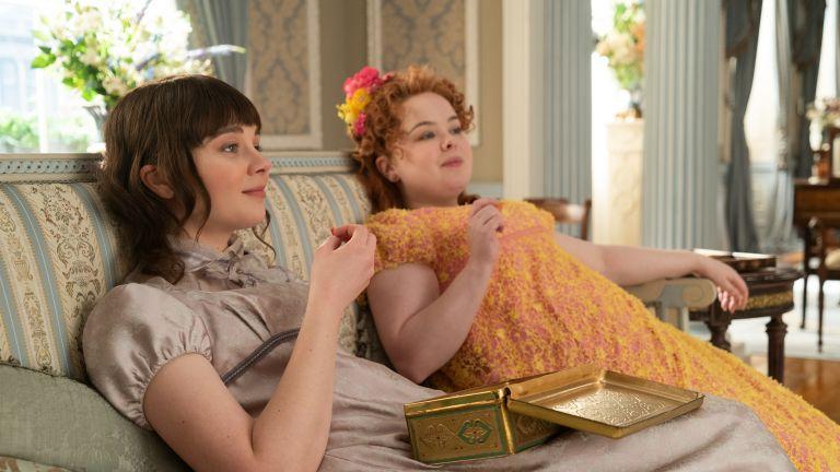 CLAUDIA JESSIE as ELOISE BRIDGERTON and NICOLA COUGHLAN as PENELOPE FEATHERINGTON in episode 108 of BRIDGERTON