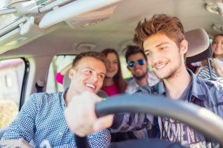 teens, driving, distracted driving