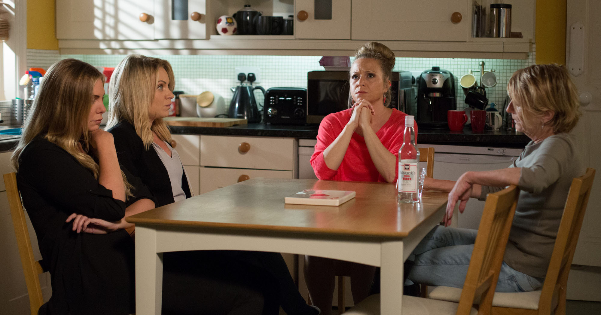 EastEnders Linda Carter Roxy Mitchell Shirley Carter Ronnie Mitchell