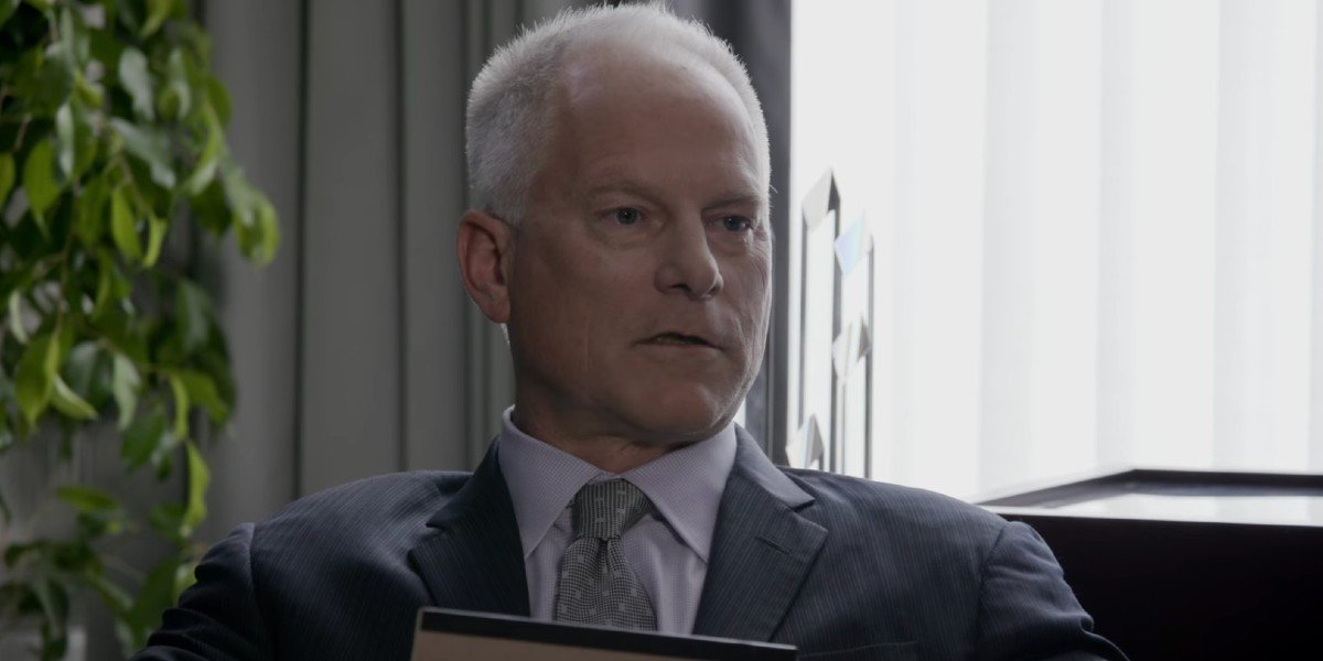 Kenny Mayne in promotional video for The House (2017)