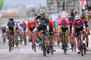 Sam Bennett gets the better of Elia Viviani (right) on stage 7 of the 2018 Giro d'Italia