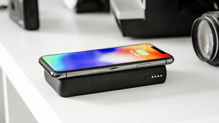 Anker Powerwave 10 vs Mophie Powerstation Wireless XL