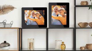 Best digital picture frame: Digital picture frames on shelves in horizontal and vertical formation