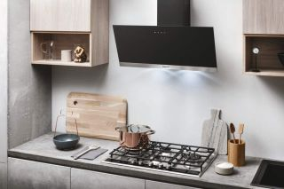 Cooker hood in black finish