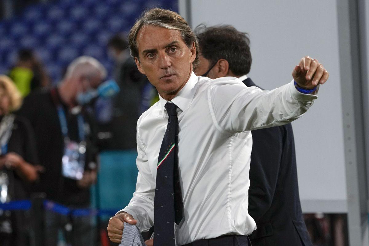 Roberto Mancini praises Italy for handling pressure well to win Euro 2020 opener