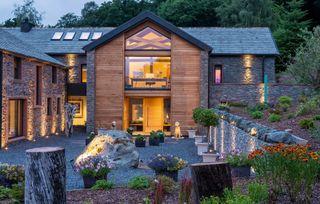 garden lighting ideas in a modern outdoor space