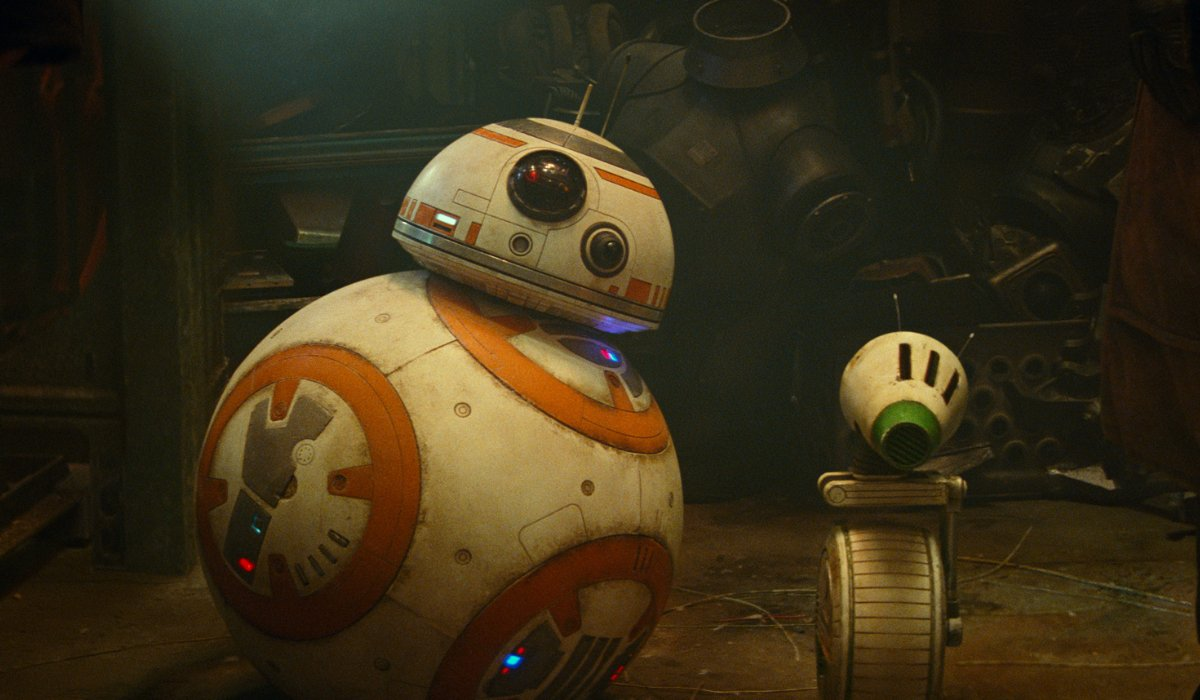Star Wars: The Rise of Skywalker BB-8 and D-O look on with tilted heads
