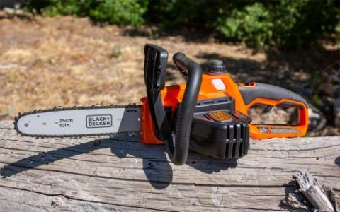 Black & Decker Chainsaw Review - Pros, Cons and Verdict