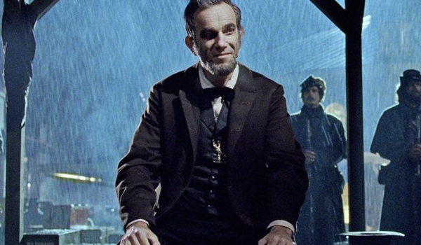 Lincoln Daniel Day-Lewis meets the troops in the rain