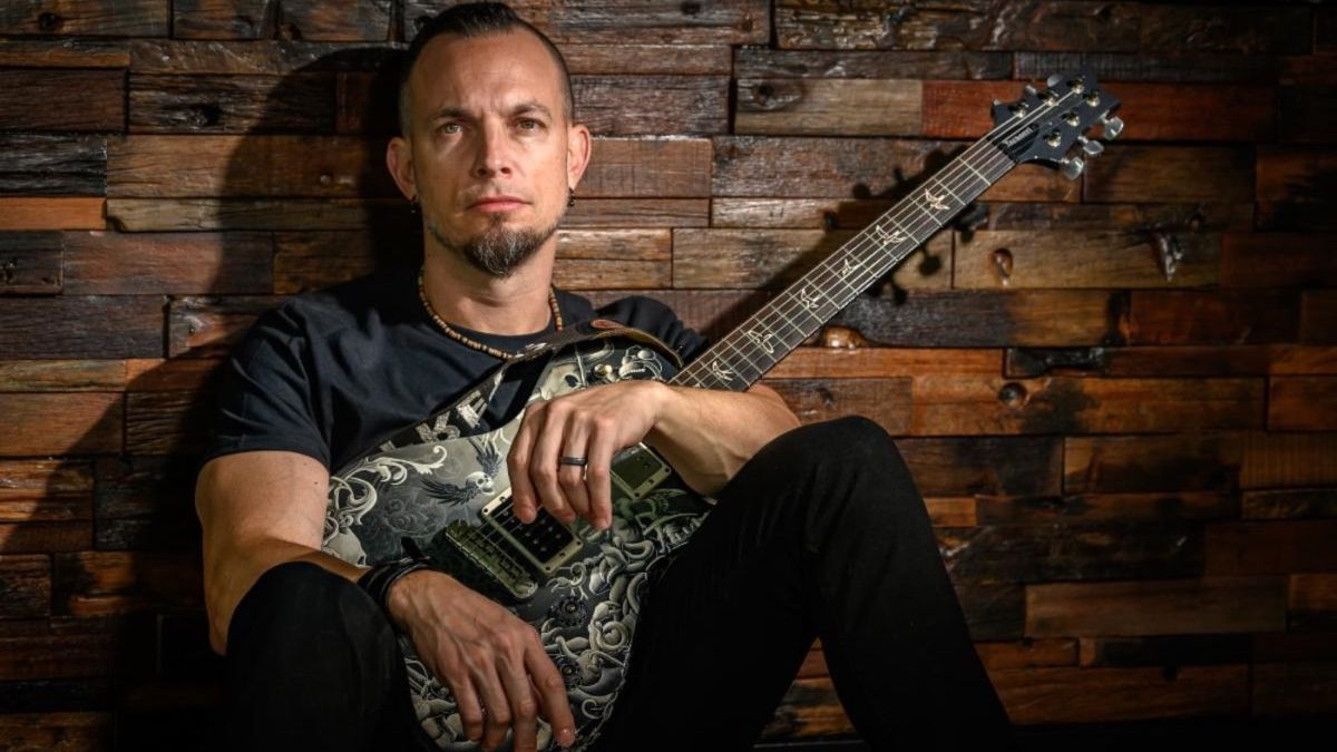 Tremonti share video for new album title track Marching In Time