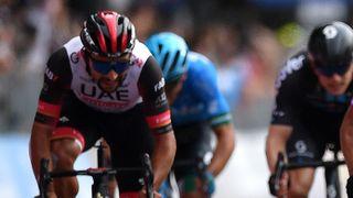 Fernando Gaviria sprinting without a saddle