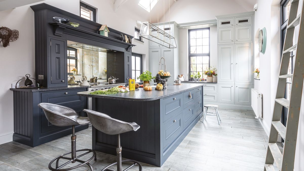 Kitchen case study: a living room is transformed into a stunning country kitchen