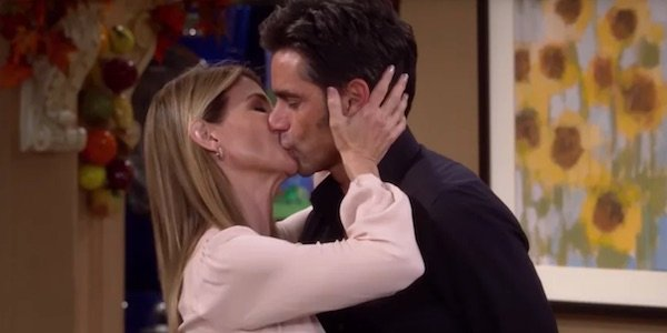 Becky and Jesse kissing in Fuller House