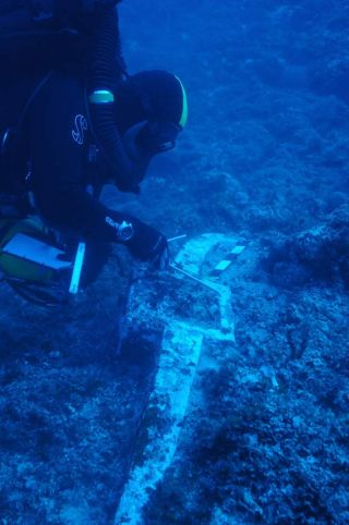 divers at the Antikythera shipwreck site