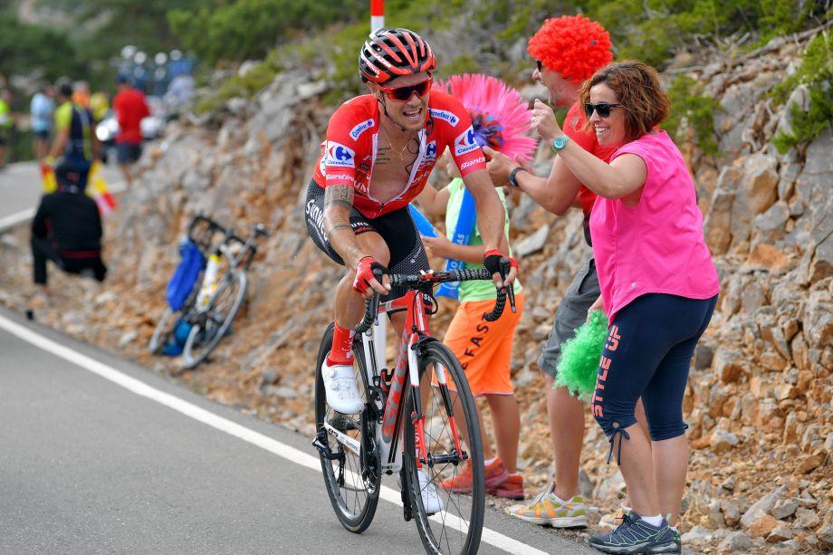 Further checks reveal Nicolas Roche suffered broken kneecap in Vuelta crash