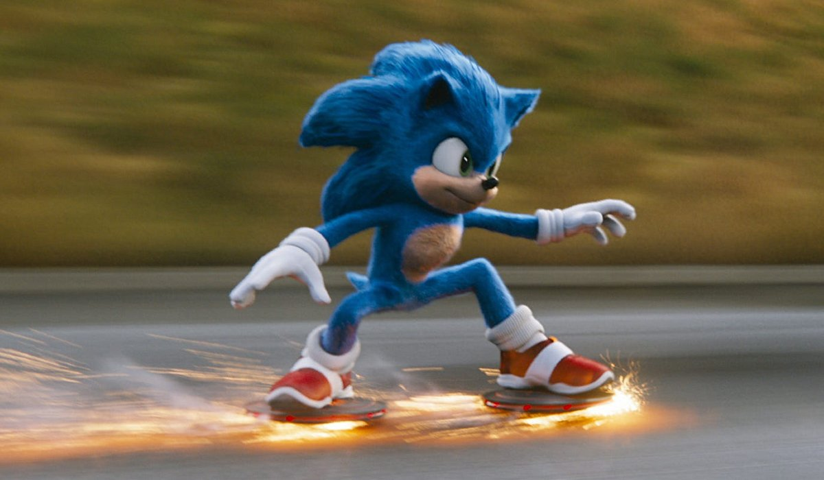 Sonic The Hedgehog grinding the pavement with robots