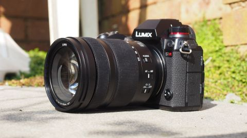 Panasonic S 24-105mm f/4 Macro OIS