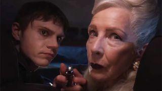 Evan Peters et Frances Conroy reviennent dans American Horror Story: Double Feature
