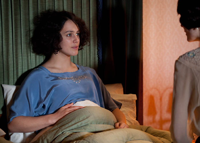 Shock for Downton Abbey fans as Lady Sybil dies