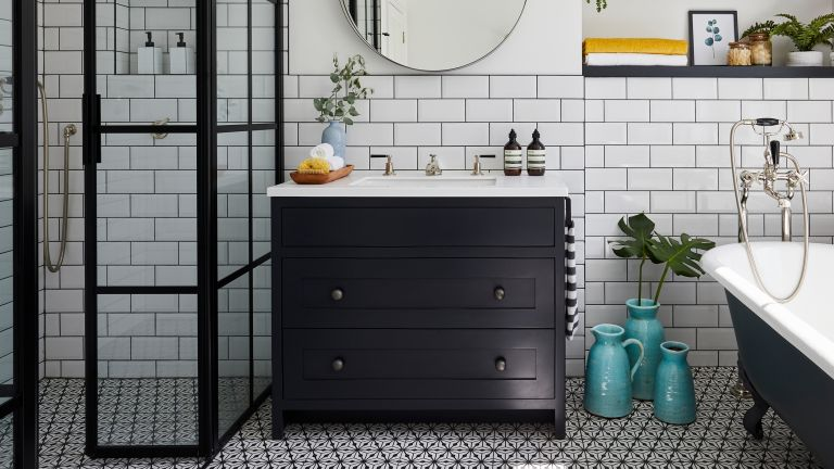 Patterned bathroom flooring ideas
