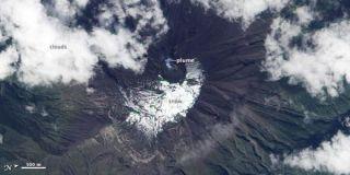volcano-tungurahua-natural-110104
