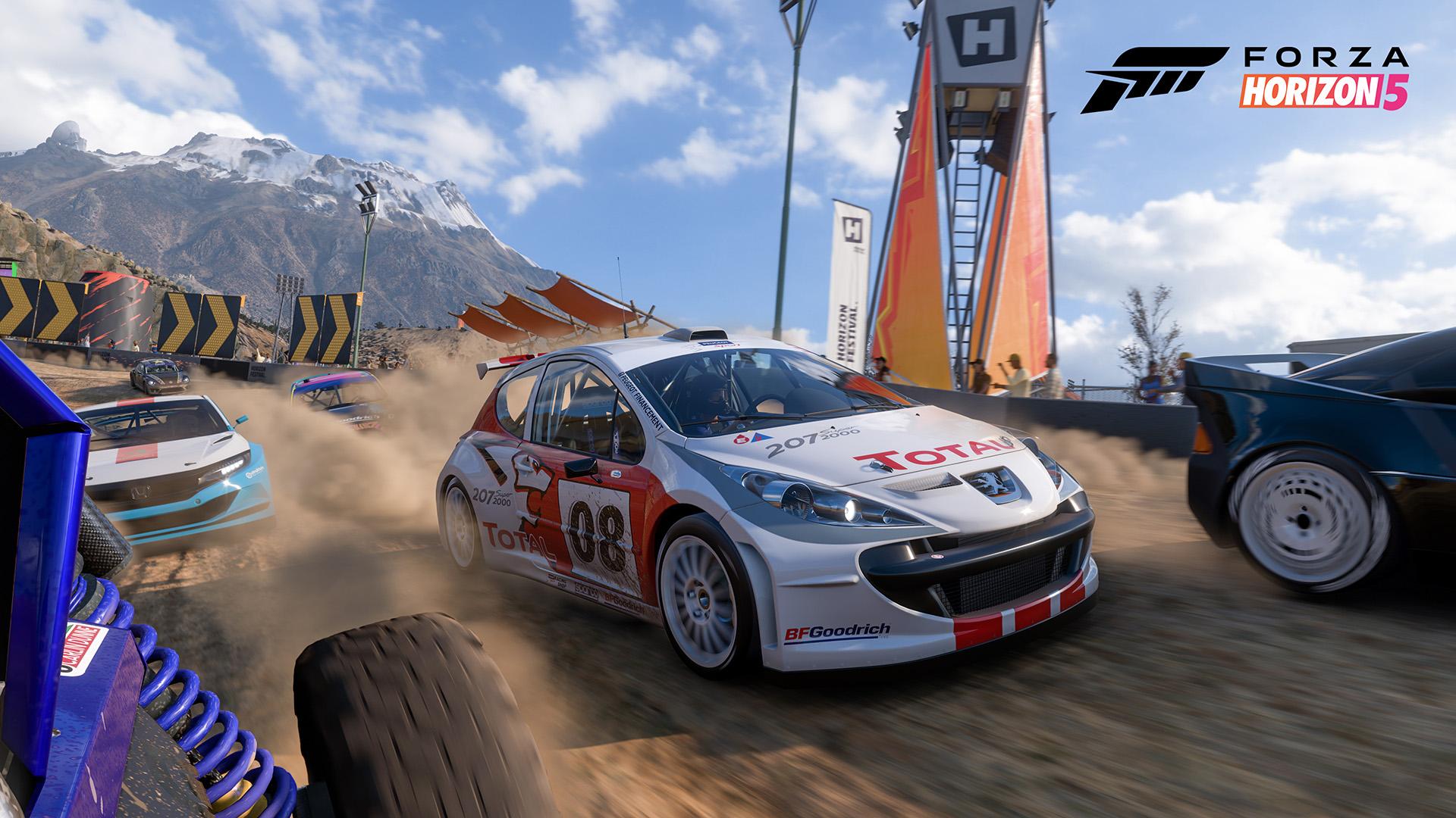 Forza Horizon 5 cars blasts through a sandy biome