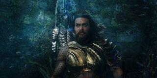 Jason Momoa as Arthur Curry in an underwater scene in Aquaman