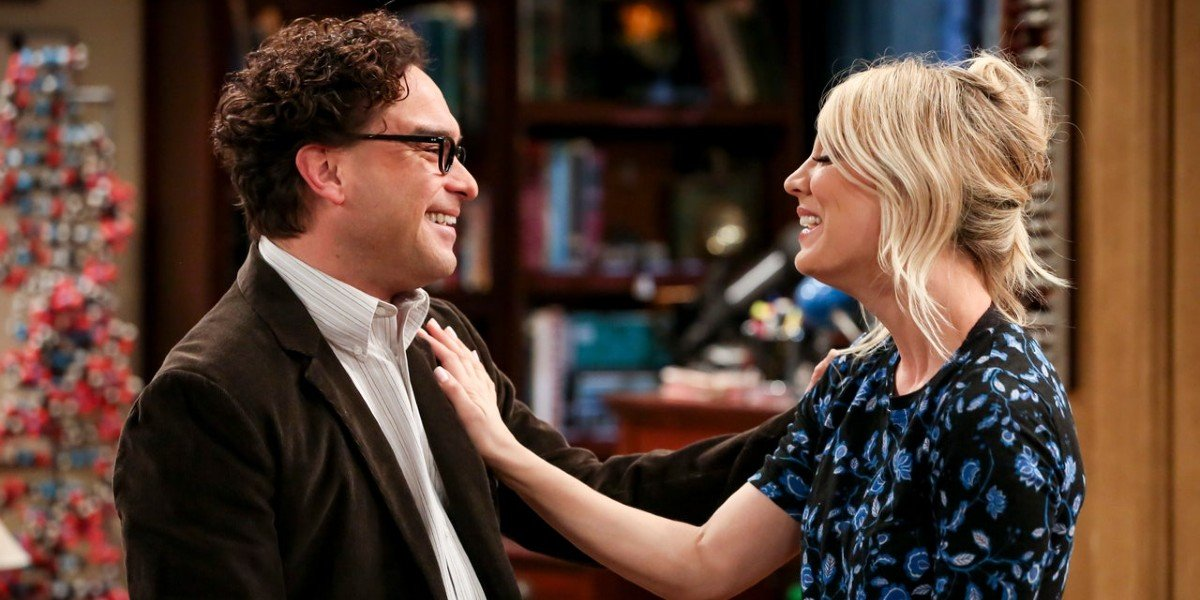 Kaley Cuoco and Johnny Galecki as Penny and Leonard on The Big Bang Theory