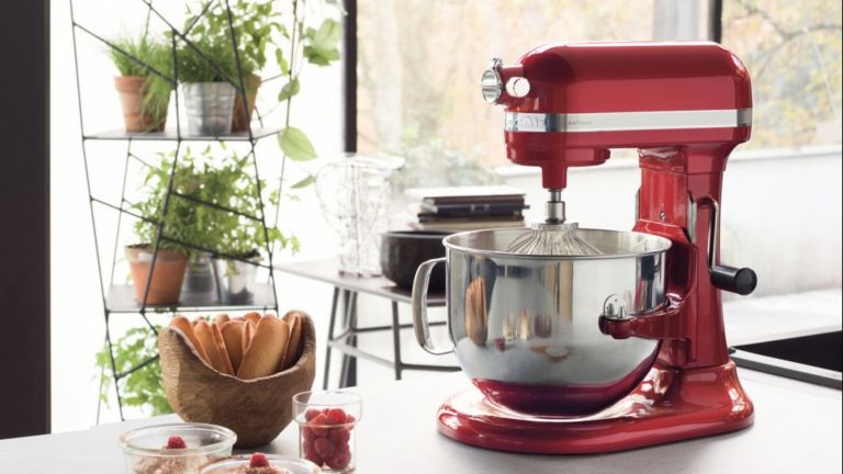 Get 163 220 Off The Kitchenaid Artisan Stand Mixer As Currys
