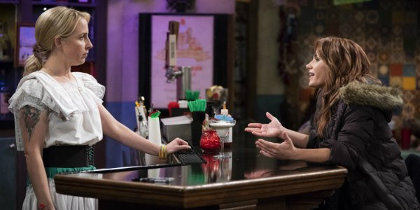 becky at the bar the conners abc