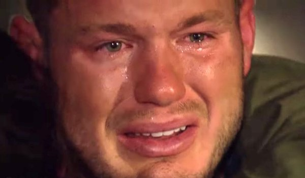 colton underwood crying the bachelor 2019 abc