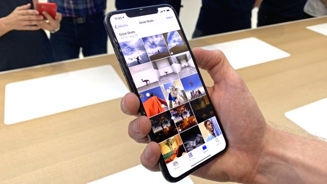 iPhone 11 Pro Max Review - It's A Bigger iPhone 11 Pro