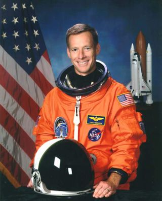 Astronaut Biography: Chris J. Ferguson
