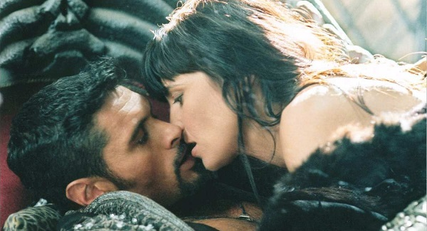 Why Xena And Gabrielle Never Actually Got Together - CINEMABLEND