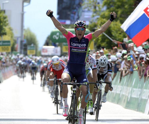 Sacha Modolo wins stage five of the 2014 Tour de Suisse