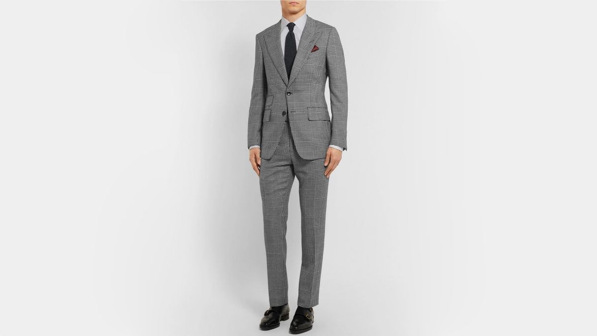 Mens Classic Fit Two-Button Solid Two-Piece Suit