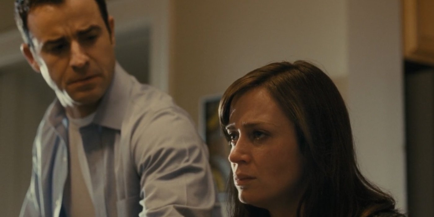 Emily Blunt and Justin Theroux in The Girl on the Train