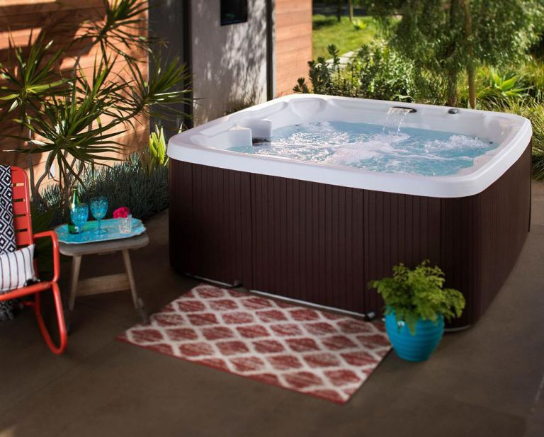 best hot tubs Lifesmart LS450DX 7-Person 22-Jet 110V Plug and Play Spa with Waterfall