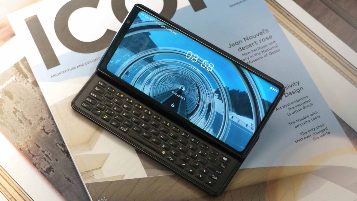 The QWERTY keyboard-toting F(x)tec Pro1 finally has a release date and price