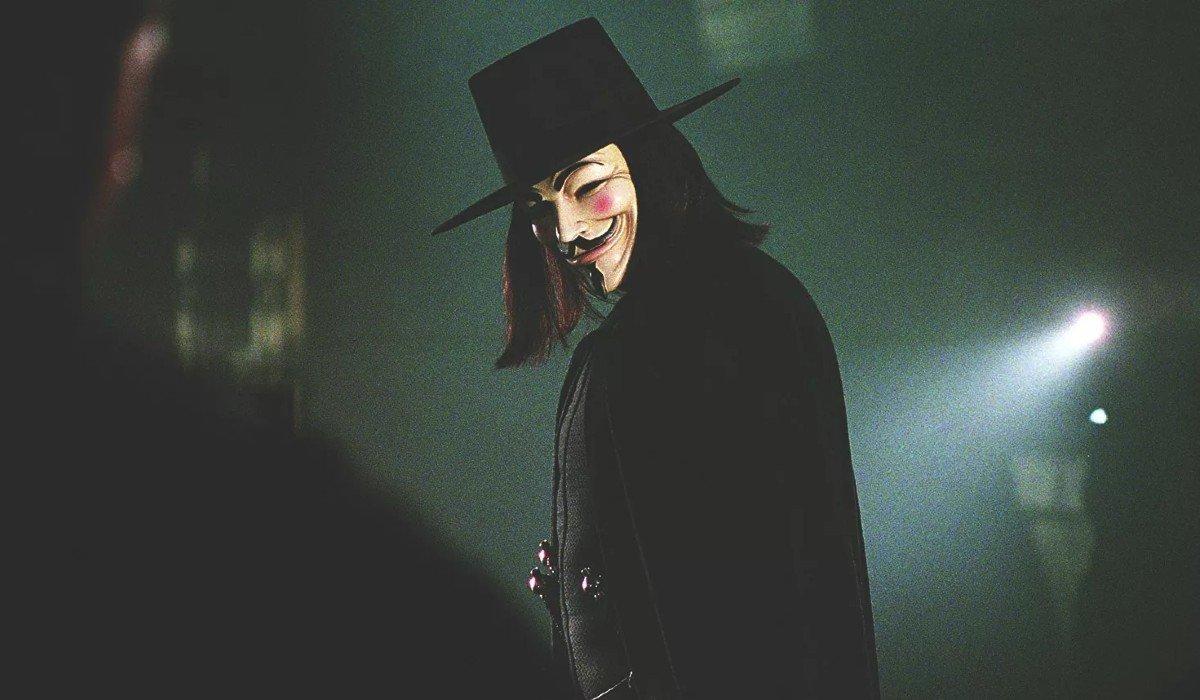 V For Vendetta V surrounded