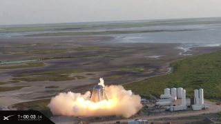 SpaceX's Starhopper Rocket Prototype Aborts 1st Untethered Hop Attempt