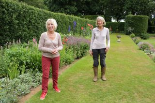 TV tonight Great British Gardens Carol Klein and Susie Pasley-Tyler at Coton Manor