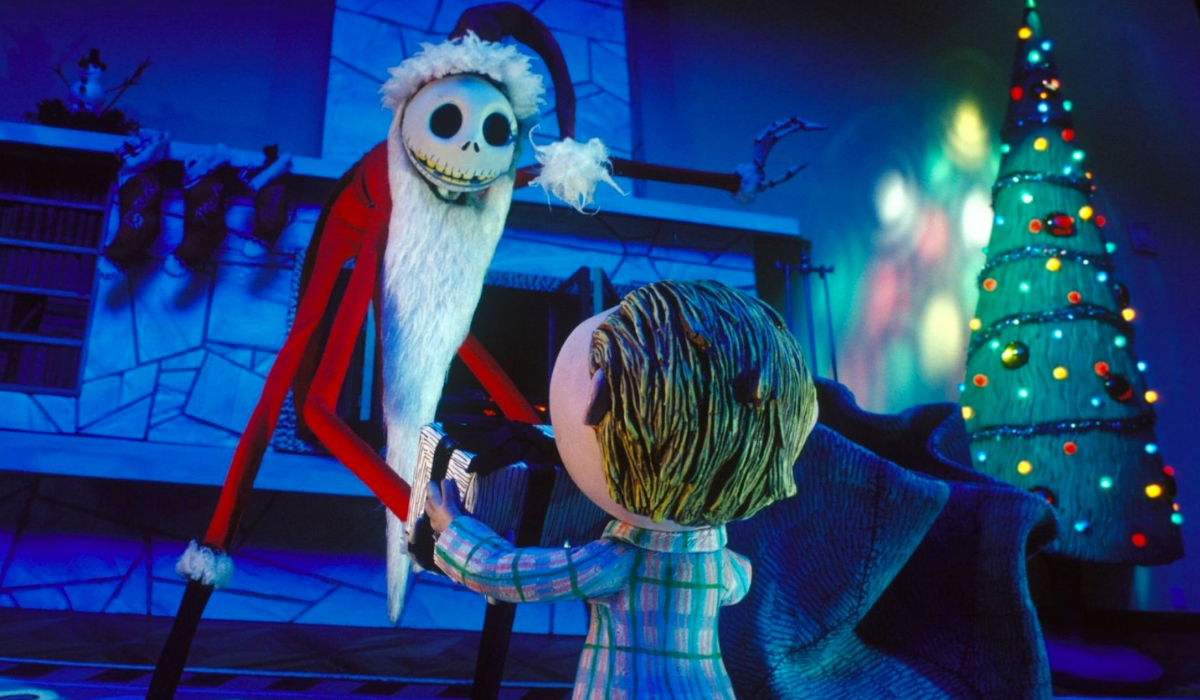The Nightmare Before Christmas Jack, dressed as Santa, sees a kid with a present