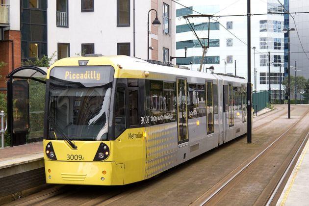 1280px-Greater_Manchester_Metrolink_-_tram_3009A