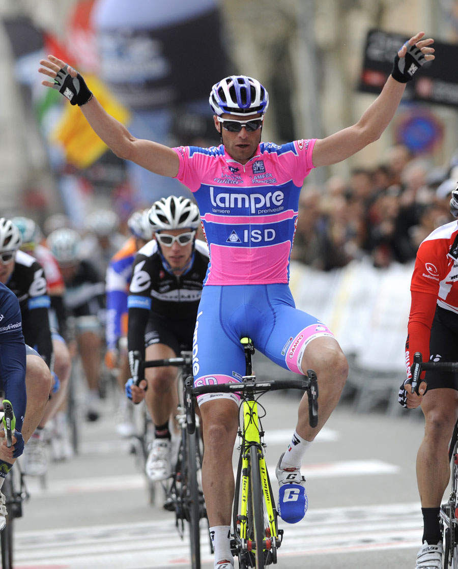 Alessandro Petacchi wins Volta a Catalunya 2011 stage two